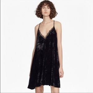 🆕NWT save $60 French Connection velvet dress